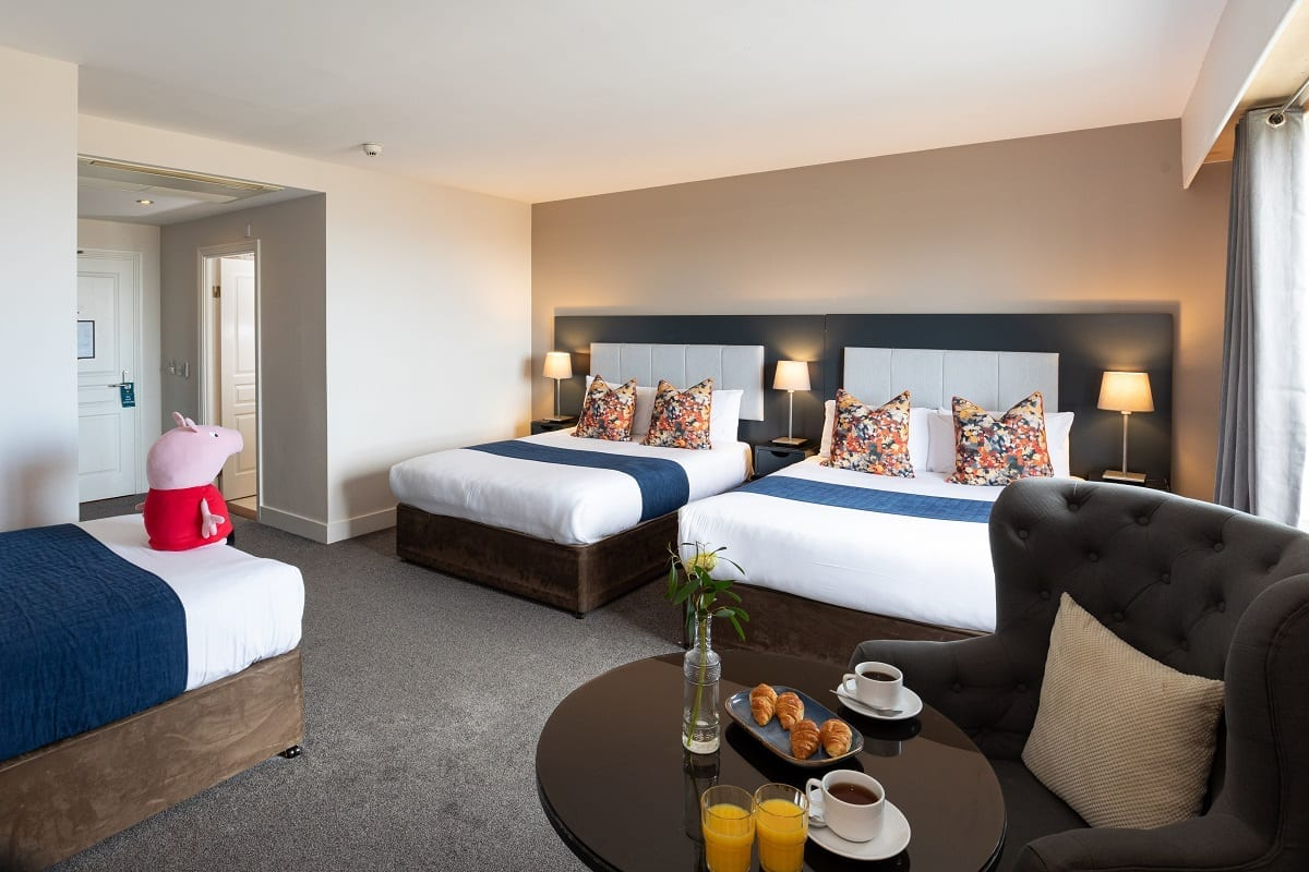 A ocean-sands-hotel-large-family-room-continental-breakfast
