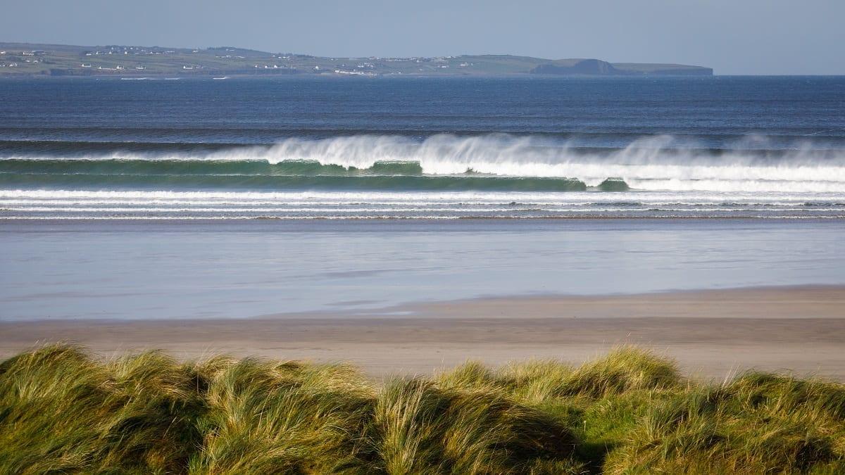 A ocean-sands-hotel-sligo-waves-enniscrone-beach-wild-atlantic-way
