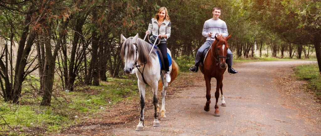 Ocean_Sands_Hotel_-_Horse_Riding_in_the_Countryside