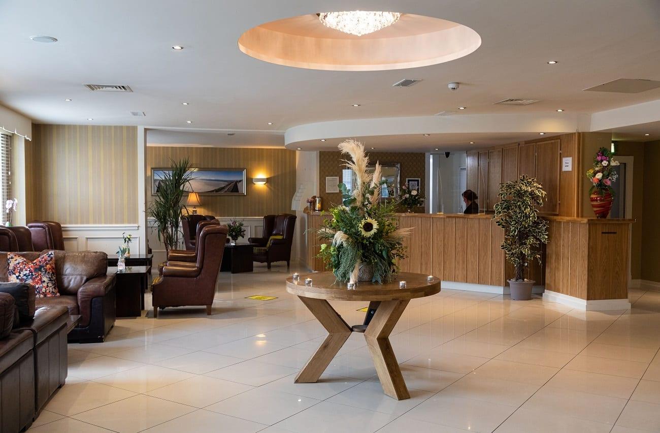 ocean-sands-hotel-reception-foyer-lobby-area