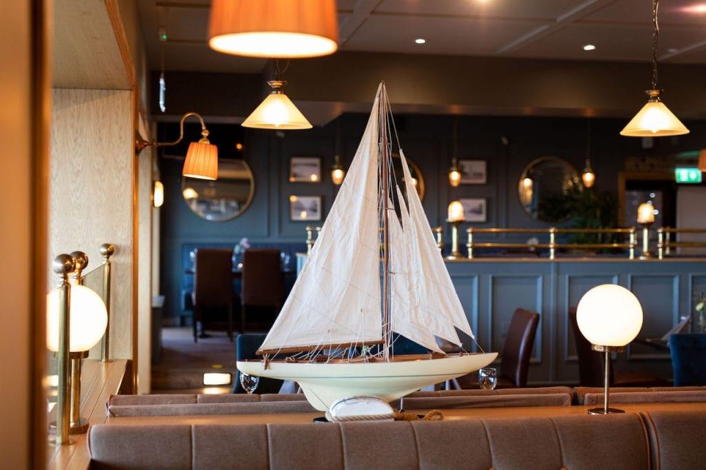 ocean-sands-hotel-ocean-view-bar-boat-decor