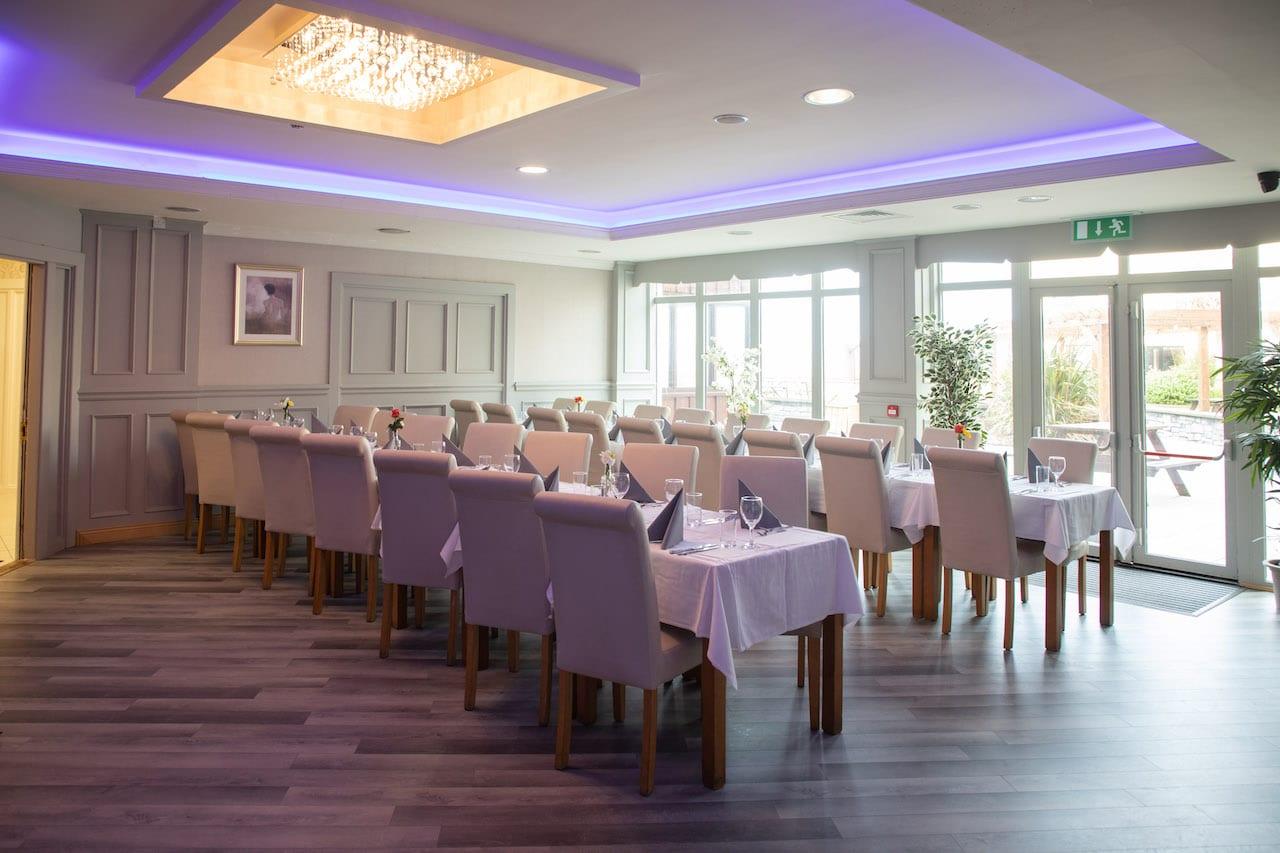 ocean-sands-hotel-sligo-dunes-dining-december-20-long-table